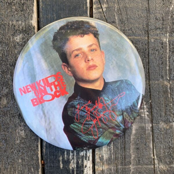 product details: 1980S OVERSIZED NEW KIDS ON THE BLOCK BUTTON PIN NKOTB JOEY photo