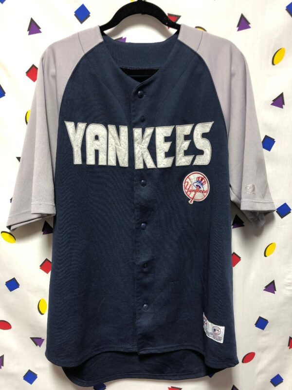product details: MLB NEW YORK YANKEES BASEBALL JERSEY FELT LETTERS AS-IS photo
