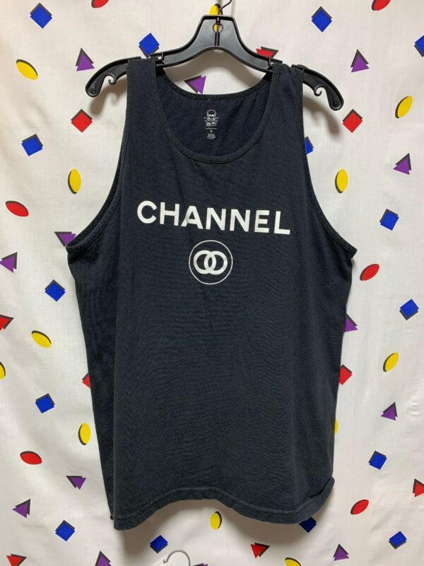 product details: CHANNEL GRAPHIC TANK TOP photo
