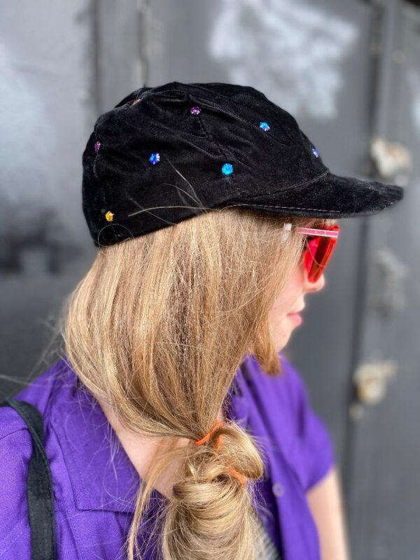 product details: CAP HAT VELVET W/ RHINESTONES 2-29 photo
