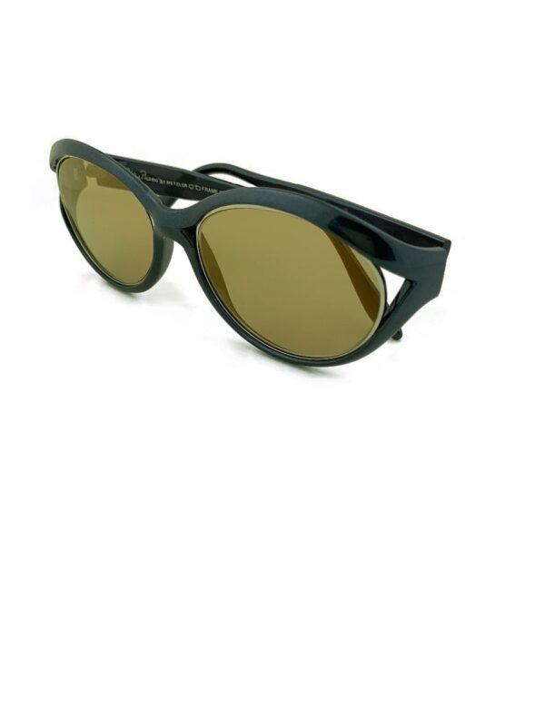 product details: 1990S GOLD FLASH COATED OVAL CATEYE SUNGLASSES PEARLIZED HEMATITE FRAME photo