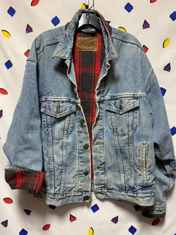 product details: 1990S CLASSIC LEVIS DENIM TRUCKER JACKET WITH PLAID INNER LINING SOFT photo