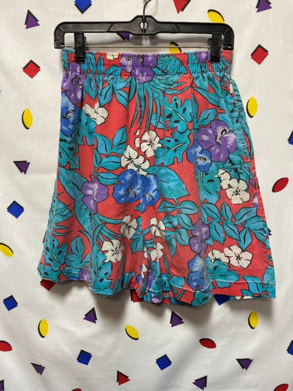 product details: 1980S TROPICAL HIGH-WAISTED SHORTS ELASTIC WAIST HIBISCUS FLOWER PRINT LIGHTWEIGHT FABRIC photo