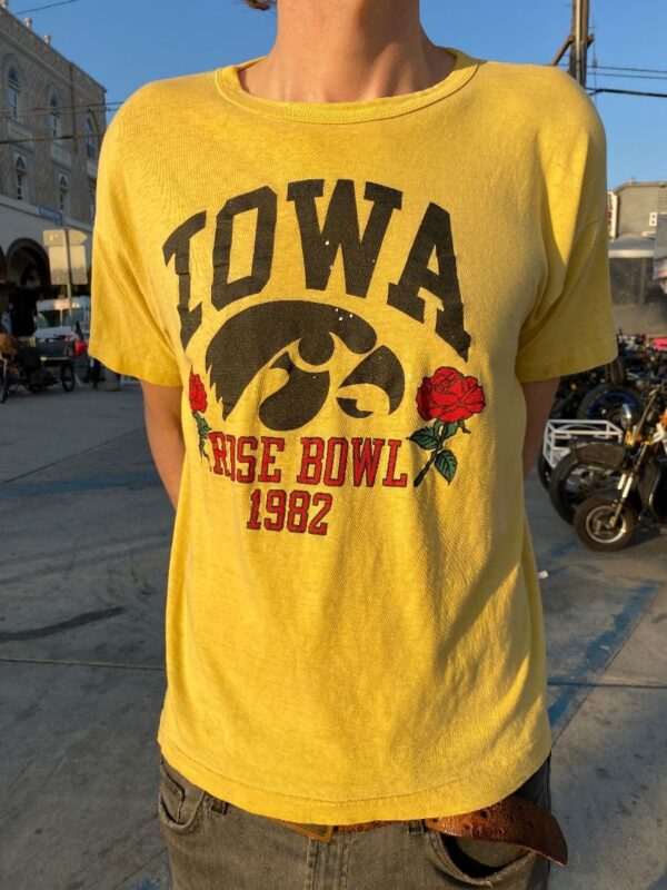 product details: IOWA ROSEBOWL T-SHIRT 1982 AS-IS photo