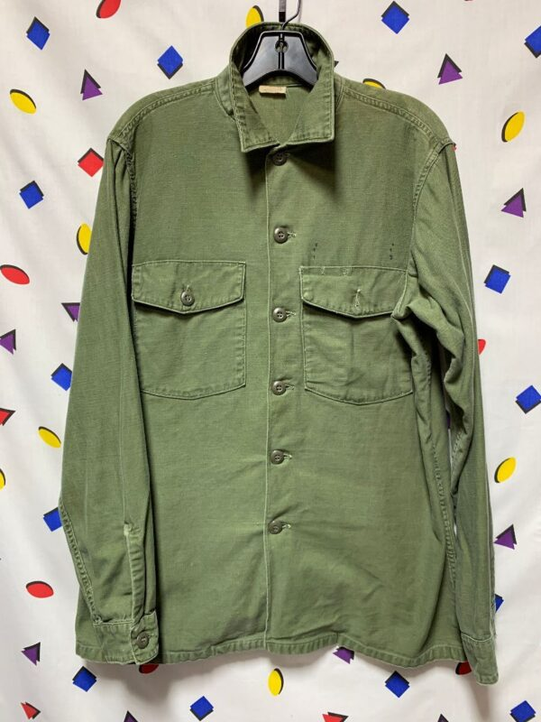 product details: US ARMY FATIGUE VIETNAM ERA LONG SLEEVE MILITARY 100% COTTON BUTTON UP DOUBLE FRONT POCKET SHIRT photo