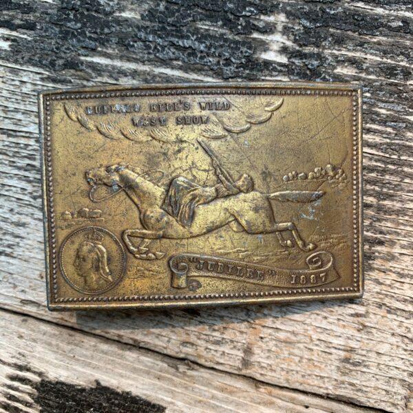 product details: VINTAGE 1970S BUFFALO BILLS WILD WEST SHOW JUBILEE 1887 WESTERN SOLID BRASS BELT BUCKLE photo