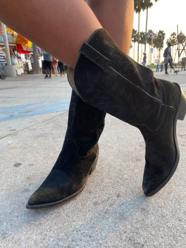 product details: CLASSIC SUEDE SHORT HEIGHT WESTERN BOOT AS-IS photo