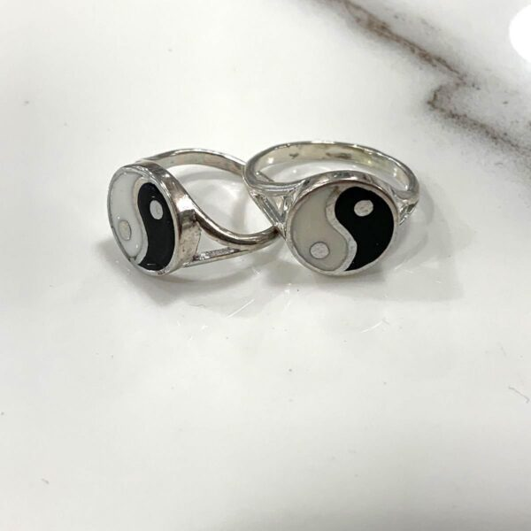 product details: BLACK AND WHITE CLASSIC YIN YANG DUAL FORCE BALANCE CHINESE PHILOSOPHY SILVER RING photo