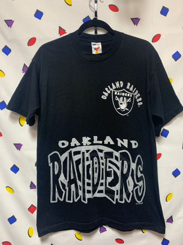 product details: NFL OAKLAND RAIDERS HYPNOTIC GRAPHIC T-SHIRT 1995 photo