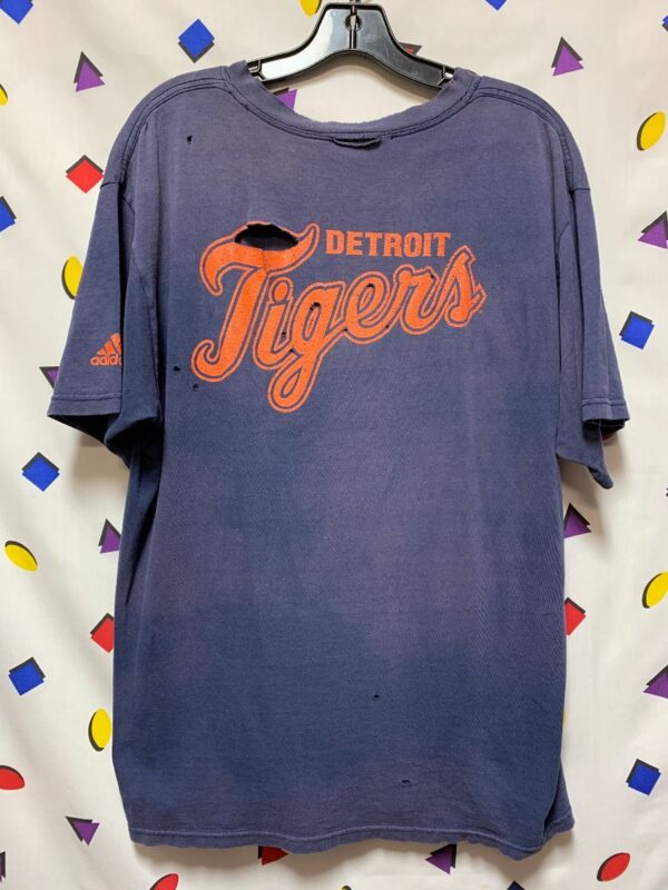 product details: ADIDAS THIN COTTON SUPER DISTRESSED DETROIT TIGERS TSHIRT photo