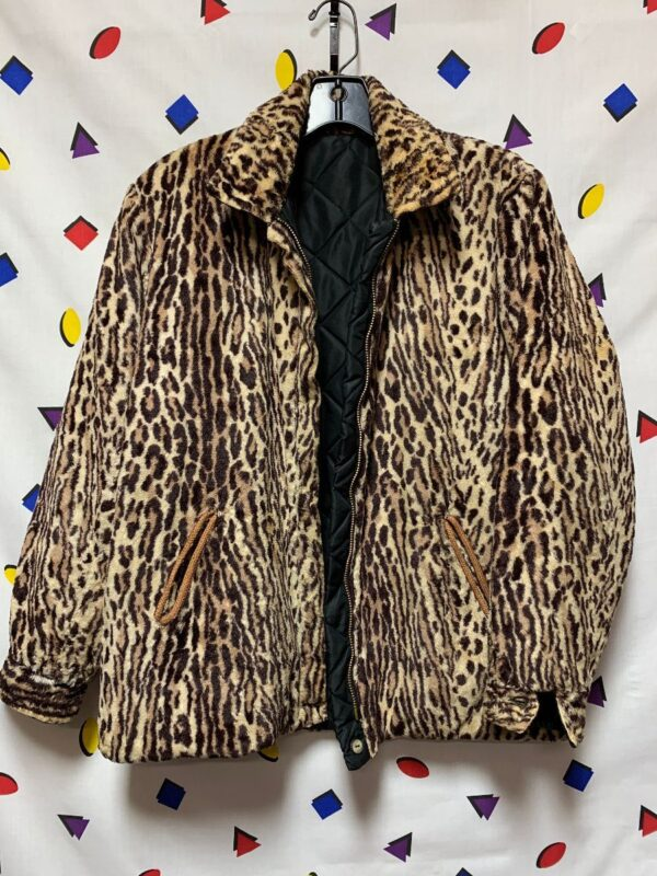 product details: ADORABLE FUZZY QUILTED LINING CHEETAH  PRINT ZIP UP JACKET FUN INTERIOR POCKETS photo