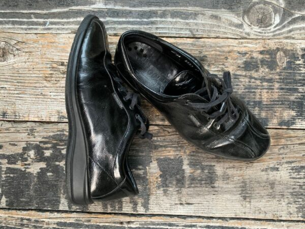product details: GLOSSY COOLAIR LEATHER DRESS SHOES MADE IN PORTUGAL photo