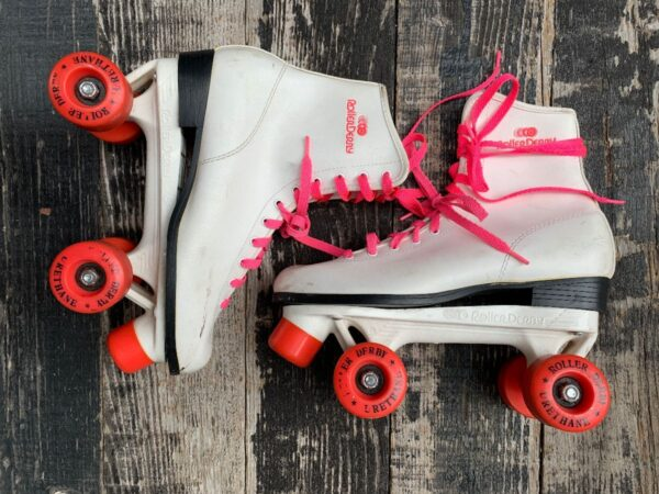 product details: 1980S WOMENS WHITE HOT PINK ROLLER DERBY 4 WHEEL QUAD SKATES URETHANE photo
