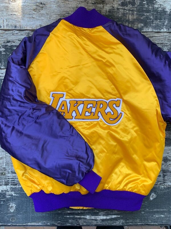 product details: VINTAGE SATIN BUTTON UP LOS ANGELES LAKERS JACKET VARSITY LETTERING CHENILLE BACK PATCH photo