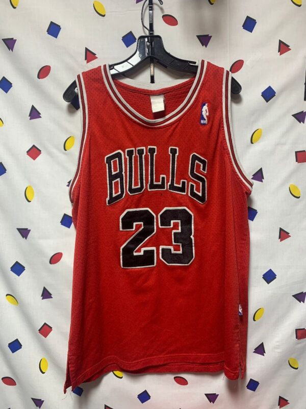 product details: NBA CHICAGO BULLS NUMBER 23 MICHAEL JORDAN EMBROIDERED BASKETBALL JERSEY AS IS photo