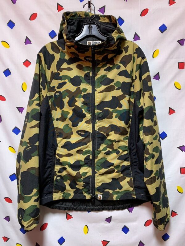 product details: A BATHING APE SNOWBOARD SKI FULL ZIP ZIPPERED POCKETS ELASTIC WAIST JACKET CAMOUFLAGE WITH HOOD photo
