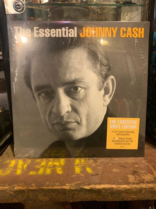 product details: BW VINYL JOHNNY CASH - THE ESSENTIAL JOHNNY CASH photo