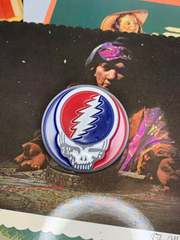 product details: NEW PIN - FEED YOUR HEAD GRATEFUL DEAD SKULL photo