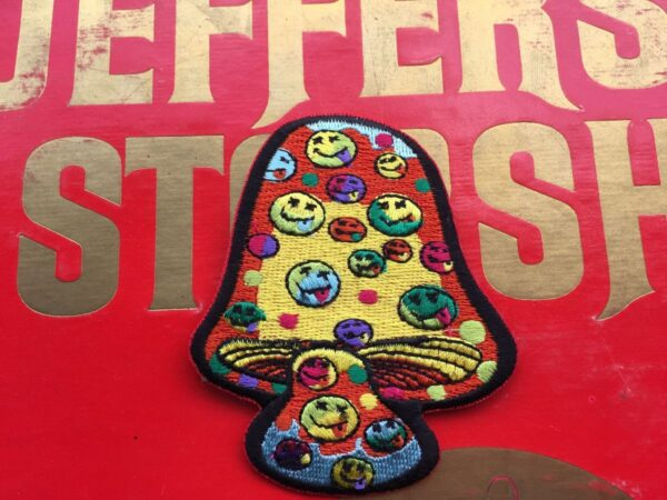 product details: MUSHROOM TRIPPY PSYCHEDELIC SMILEY FACE EMBROIDERED PATCH photo