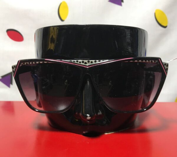 product details: COOL FUNKY 1980S SUNGLASSES POLKA DOT photo