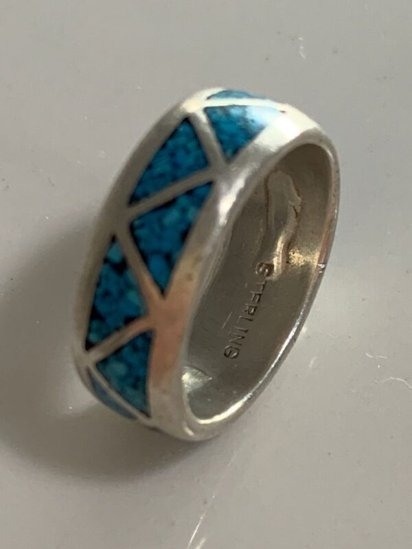 product details: 925 STERLING SILVER TRIANGLE DESIGN CRUSHED TURQUOISE INLAY STONE RING photo