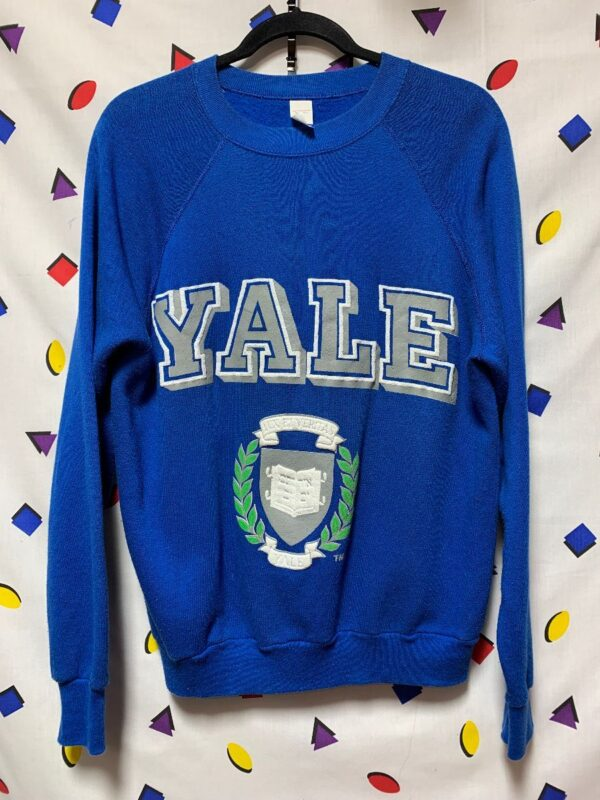 product details: SUPER SOFT YALE GRAPHIC CREW NECK SWEATSHIRT PULL LOGO photo