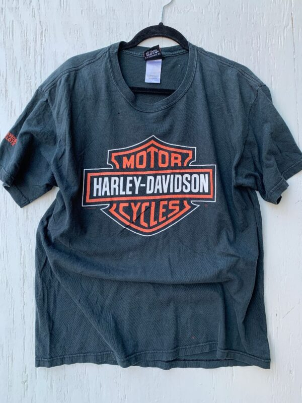 product details: T-SHIRT CLASSIC HARLEY DAVIDSON EMBLEM GRAPHIC 2000 photo