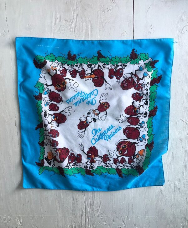 product details: VINTAGE 1980S CALIFORNIA RAISINS SQUARE BANDANA 1988 MADE IN USA AS-IS photo