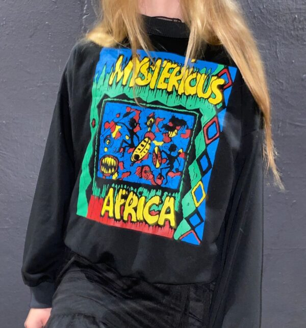 product details: VERY COOL MYSTERIOUS AFRICA GRAPHIC CREWNECK SWEATSHIRT WITH POCKETS photo