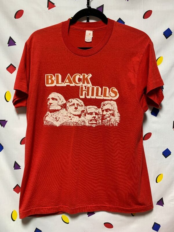 product details: BLACK HILLS MT. RUSHMORE GRAPHIC T-SHIRT photo