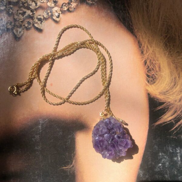 product details: GOLD-DIPPED AMETHYST GEODE NECKLACE - VINTAGE 18K GOLD PLATED ROPE CHAIN photo