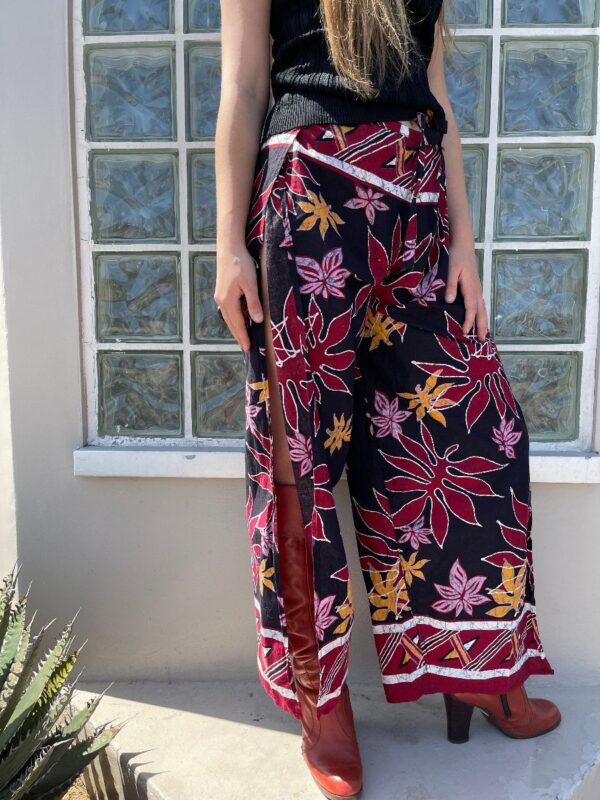 product details: AWESOME 1970S COTTON WRAP PANTS TROPICAL LEAF PRINT WHITE OUTLINE photo