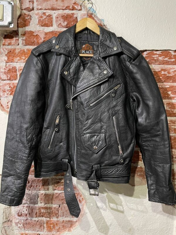 product details: AWESOME CLASSIC LEATHER MOTORCYCLE BIKER JACKET WITH ATTACHED WAIST BELT AND ZIPPER DETAILS SMALL FIT photo