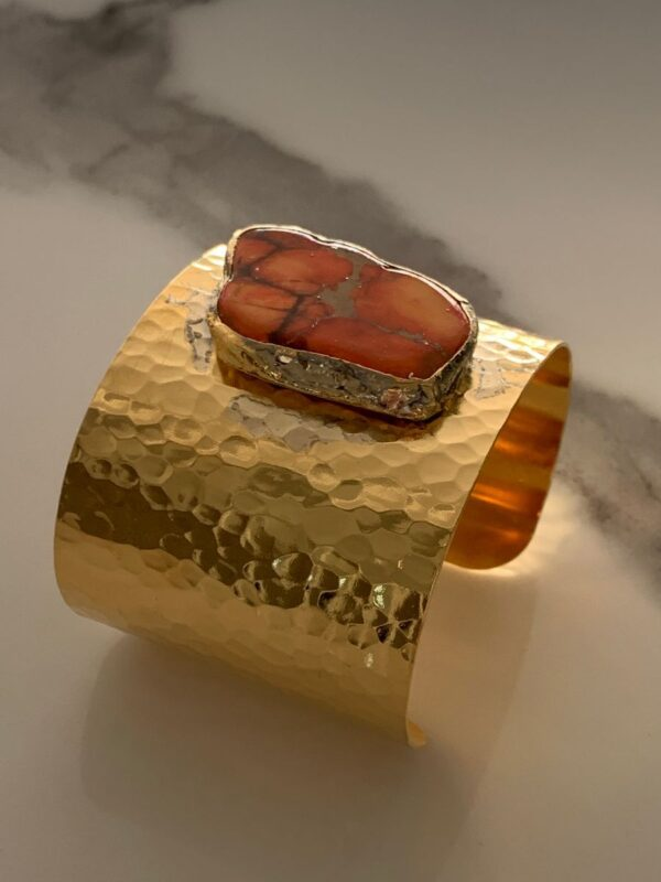 product details: HAMMERED CUFF BRACELET WITH LARGE POLISHED AGATE STONE photo