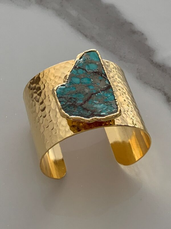 product details: HAMMERED CUFF BRACELET WITH LARGE POLISHED TURQUOISE AGATE STONE photo