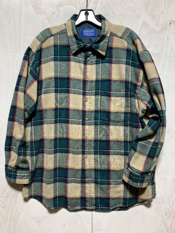product details: 100 PERCENT WOOL PLAID LS BD FLANNEL OUTDOOR SHIRT WITH FRONT POCKET AS-IS photo