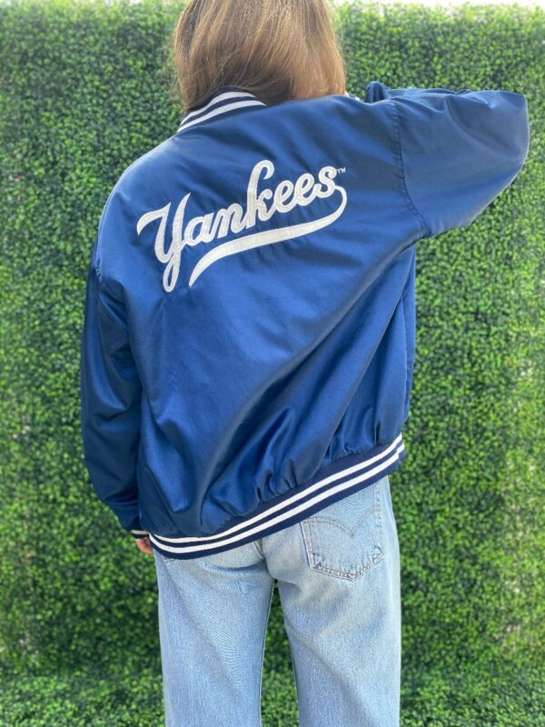 product details: NEW YORK YANKEES SATIN EMBROIDERED BOMBER JACKET photo
