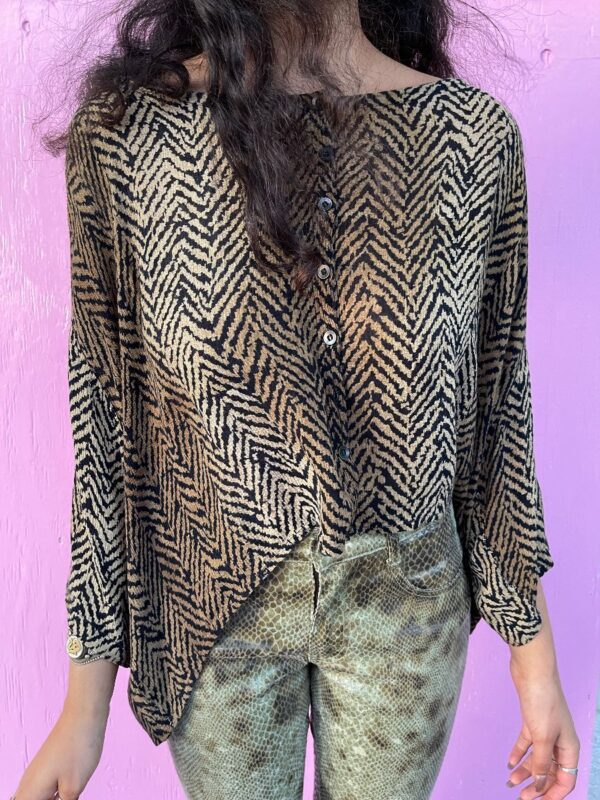 product details: THIN FLOWY FUNKY TIGER PRINT BUTTON UP MID SLEEVE BLOUSE photo