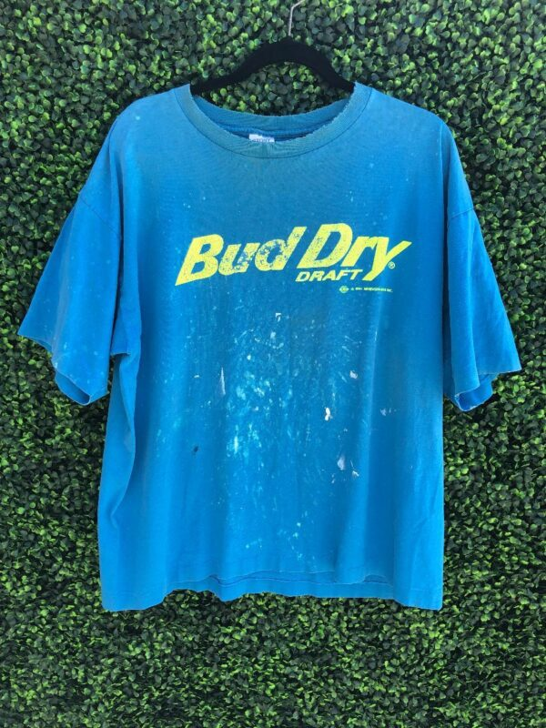 product details: DISTRESSED BUD DRY NEON PAINT SPLATTER GRAPHIC T-SHIRT photo