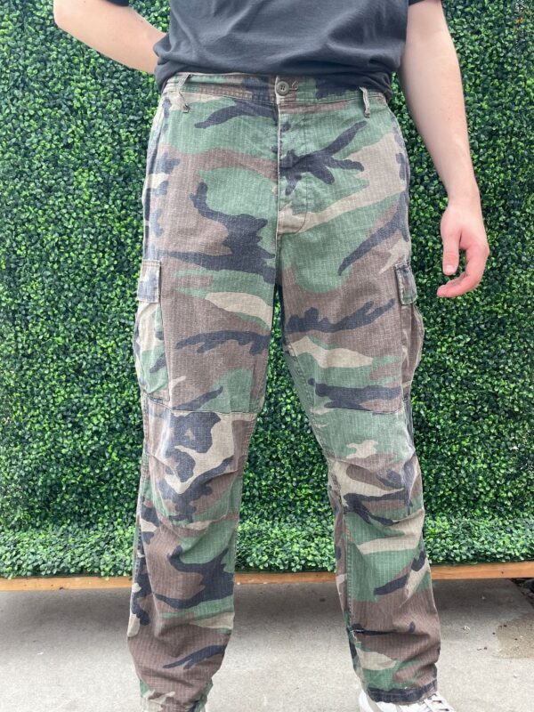 product details: CLASSIC CAMO PRINT MILITARY CARGO PANTS photo