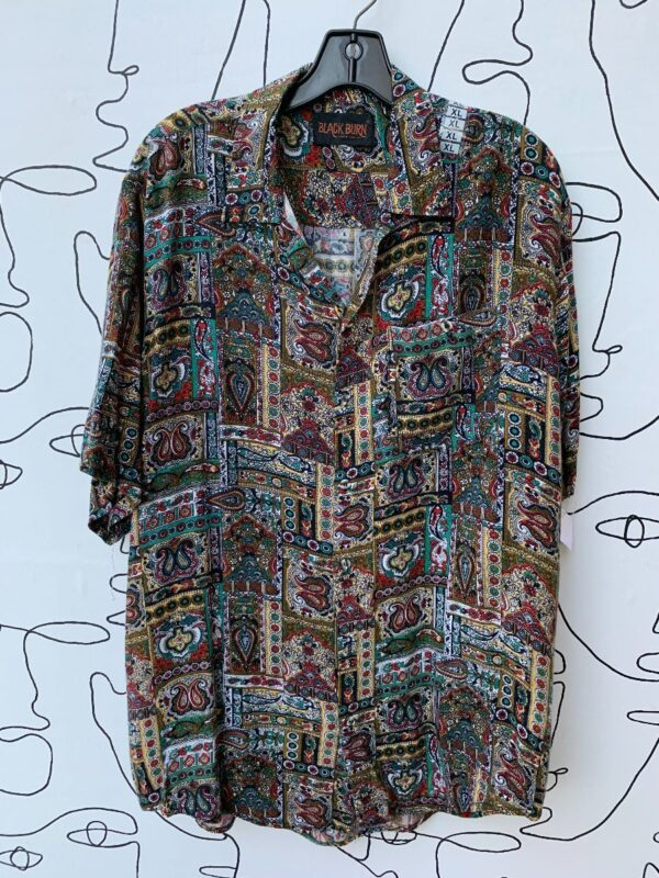 product details: ALL OVER PAISLEY PRINT SOFT SHORT SLEEVE BUTTON UP SHIRT photo