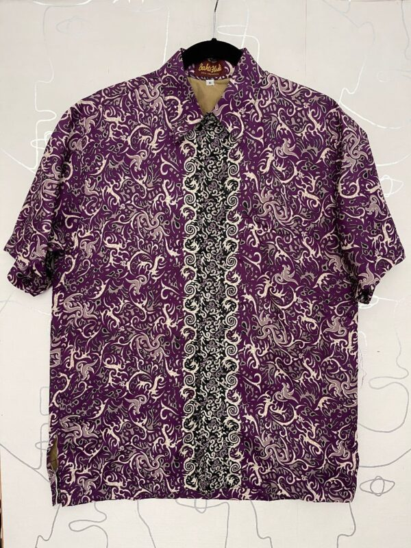 product details: LIGHTWEIGHT ABSTRACT TRIBAL STYLE PRINT SILK SHORT SLEEVE BUTTON UP SHIRT photo